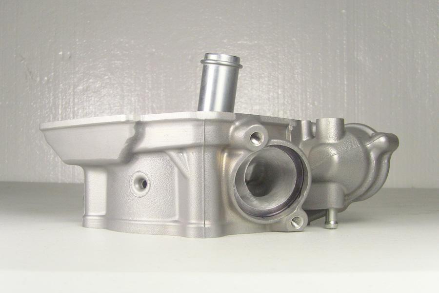 Engine, cylinder head, internal